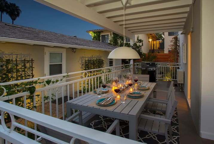 The Hideaway at West Beach - One Half Block to The Beach!
