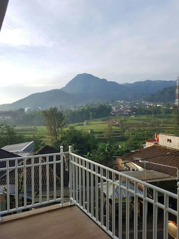 Breezy Mountain View at Sekar Gambir