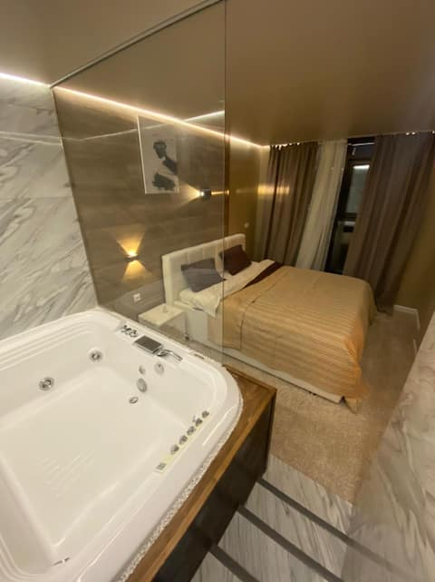 Appartment with jacuzzi close to yacht-club