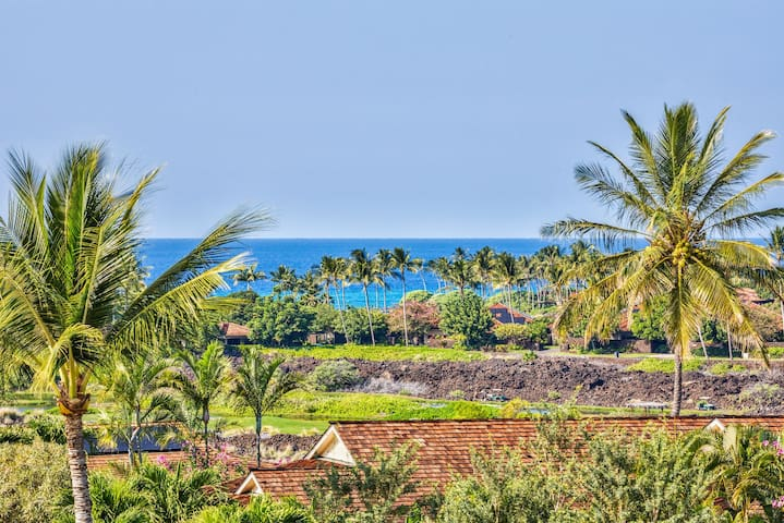 Spacious Luxury Villa w/Private Yard, Ocean View, & A/C. Ke Alaula Villa (210B)