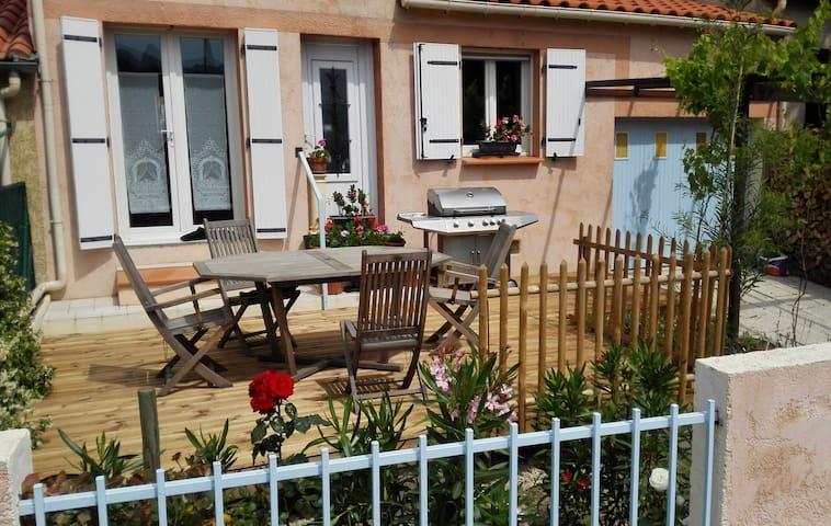Maison 2 ch/5 pers, 2 terrasses, vue sur Canigou - Prades - Casa