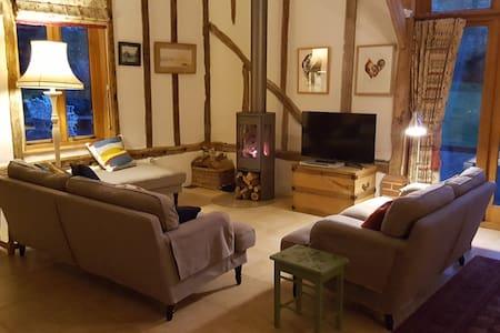Beautiful Suffolk barn conversion and garden - Thelnetham  - Дом