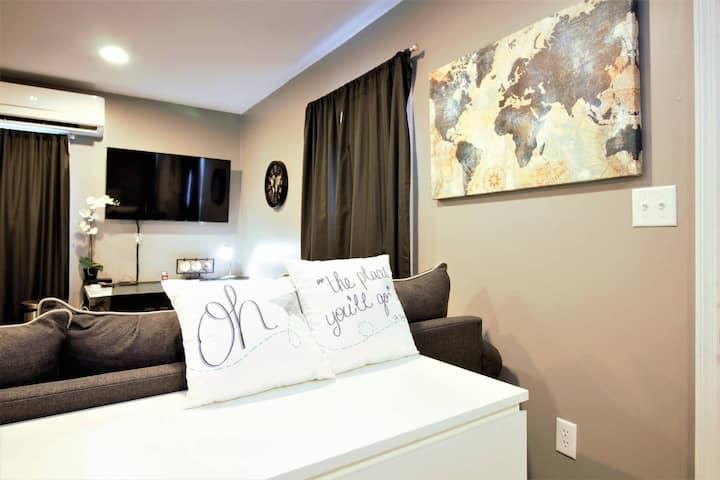 World Traveler Suite! 5min WPAFB, Coffee/Tea, W/D