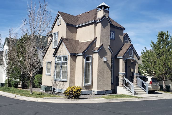 Newly Furnished Victorian Style Home