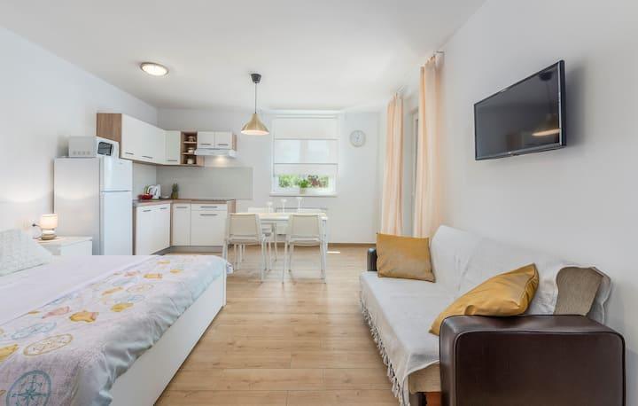 Apartment Complex Jelena / Studio Apartment Sundy