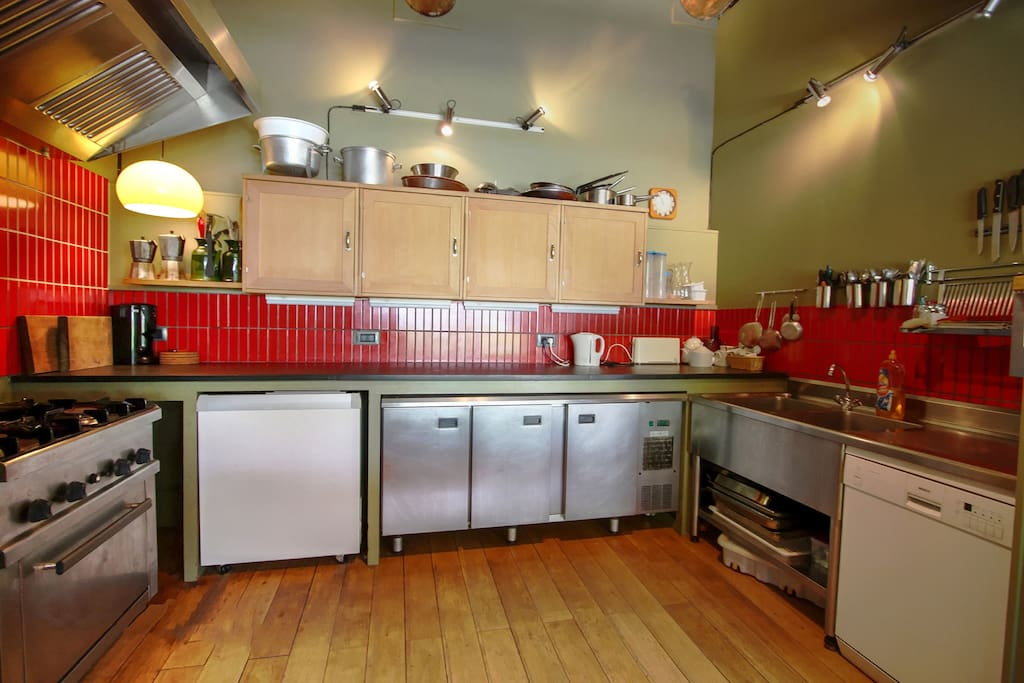 Well equipped commercial style kitchen - a joy for keen cooks.