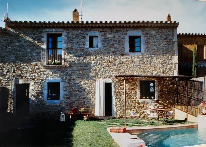 Casa con jardín, piscina y chill-out cerca deplaya
