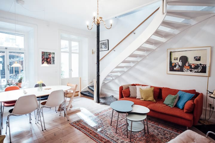 Charming duplex in perfect location - Stockholm - Apartment