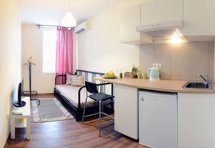 Cosy new small studio in the center of Sofia - Sofia
