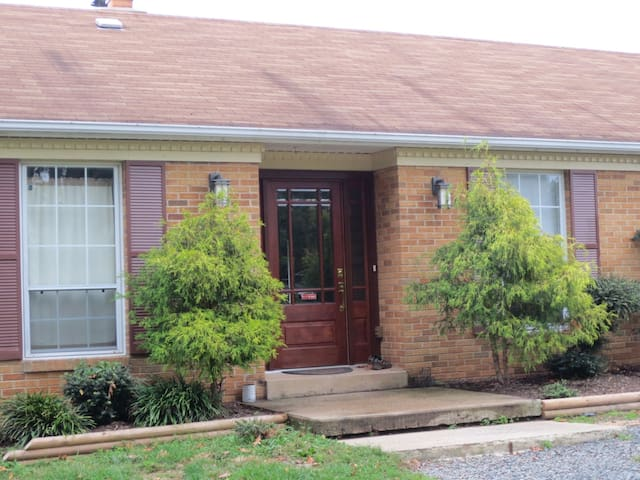Brick House on Horse Farm, family friendly - Leesburg - Haus