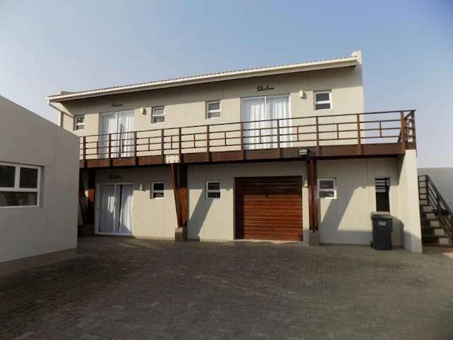 CAPE POINT SELF CATERING UPSTAIRS APARTMENT