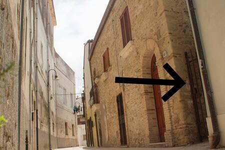 Monolocale nel borgo antico, a due passi dal porto