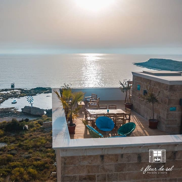 Anfeh villa with pool & sea view (Ô  Fleur de Sel)