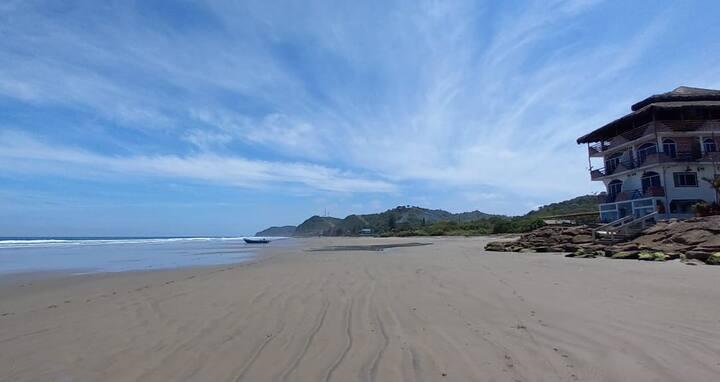 Hosteria El Kuy Surfista Frente al Mar