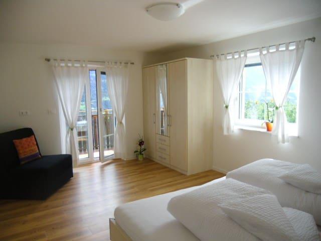 Schlafzimmer Kastanie