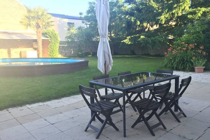 Maison+jardin+piscine+garage : Chambre N°2
