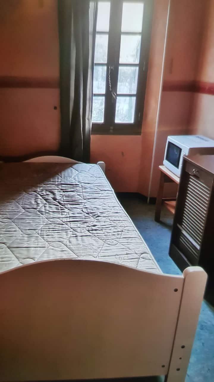 Petite chambre à la campagne au calme