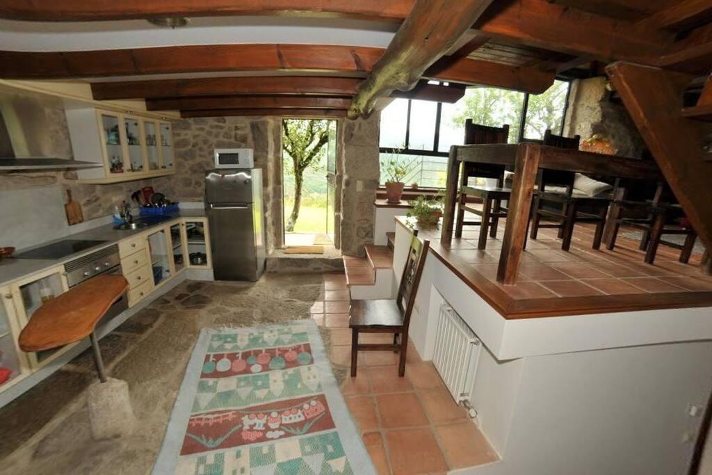 Casa de dise o eido da paxota houses for rent in covelo for Casas de diseno galicia