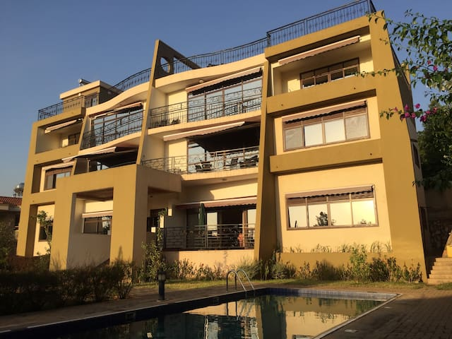 Furnished Hilltop Apartments - Kampala - Apartment