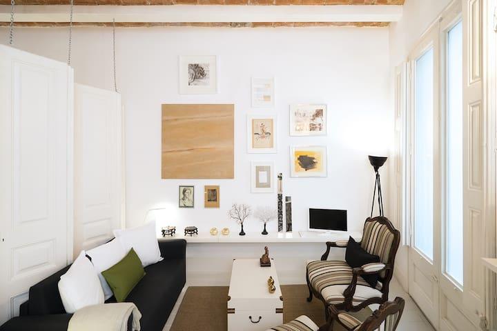 Stylish studio in the heart of BCN