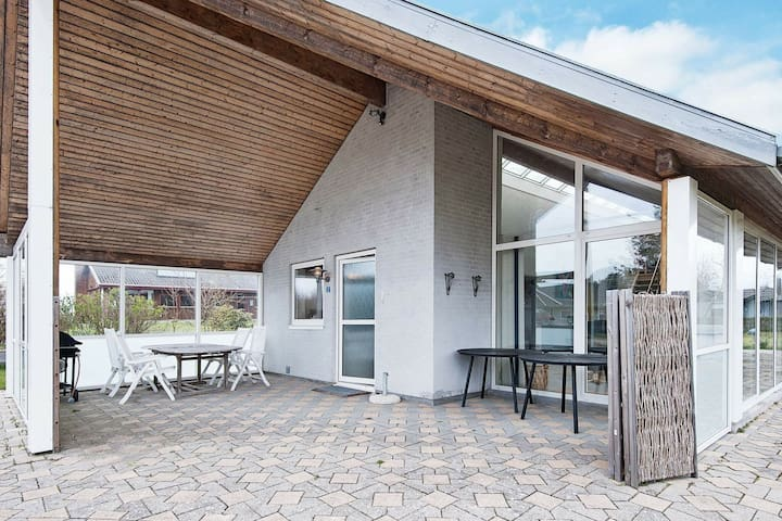 Luxurious Holiday Home in Glesborg with Campfire