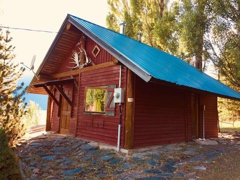 Kootenay Lake Lodge-hytte med tilgang til stranden og WiFi