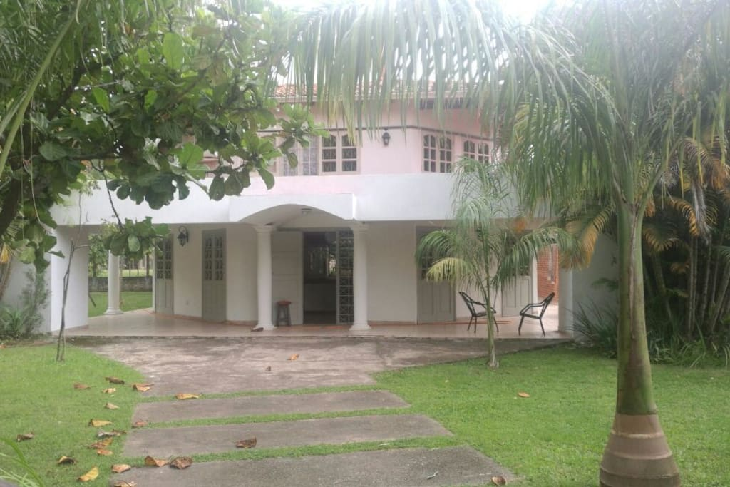 Vista de Frente Casa Principal
