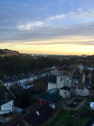 """The Ledge"" Period Loft Apartment with Great Views - Hastings - Apartamento"