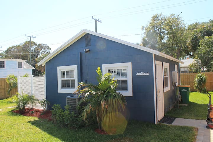 Seashells Lake Worth Historical Cottage - Lake Worth - Hus