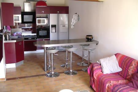 Jolie maison dans résidence calme, proche  de  mer - Sausset-les-Pins