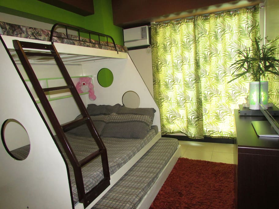 one double size bed, 2 single beds ( upper and Pullout beds)
