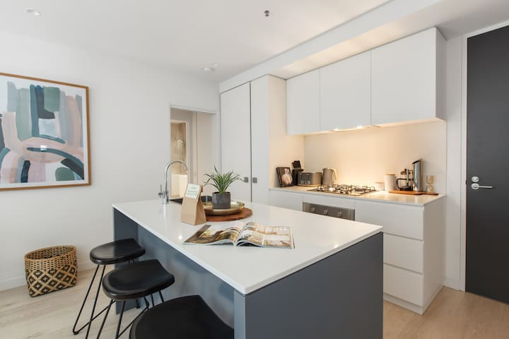 Beautiful, fresh and bright fully equipped kitchen