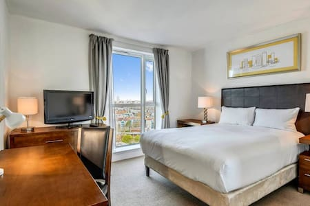 Great Canary Wharf Location, En Suite Double Room