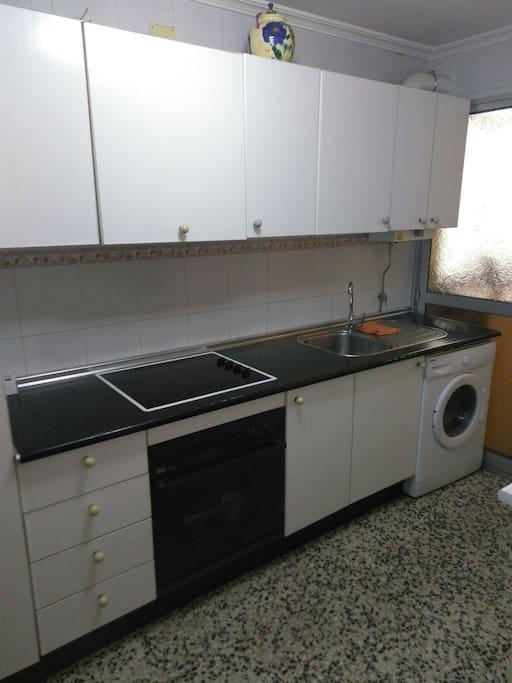 Habitacion doble en ronda triana apartamentos en for Alquiler de casas en triana sevilla