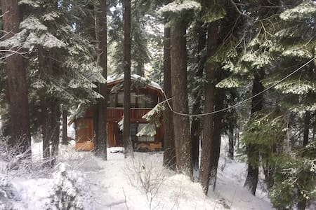 Quiet Mountain cabin, Donner Lake. - Truckee - Cabanya