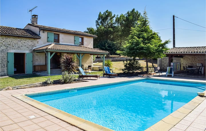 Awesome home in Ste Gemme with WiFi and 3 Bedrooms