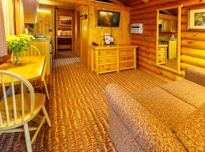 King Deluxe Log Cabin