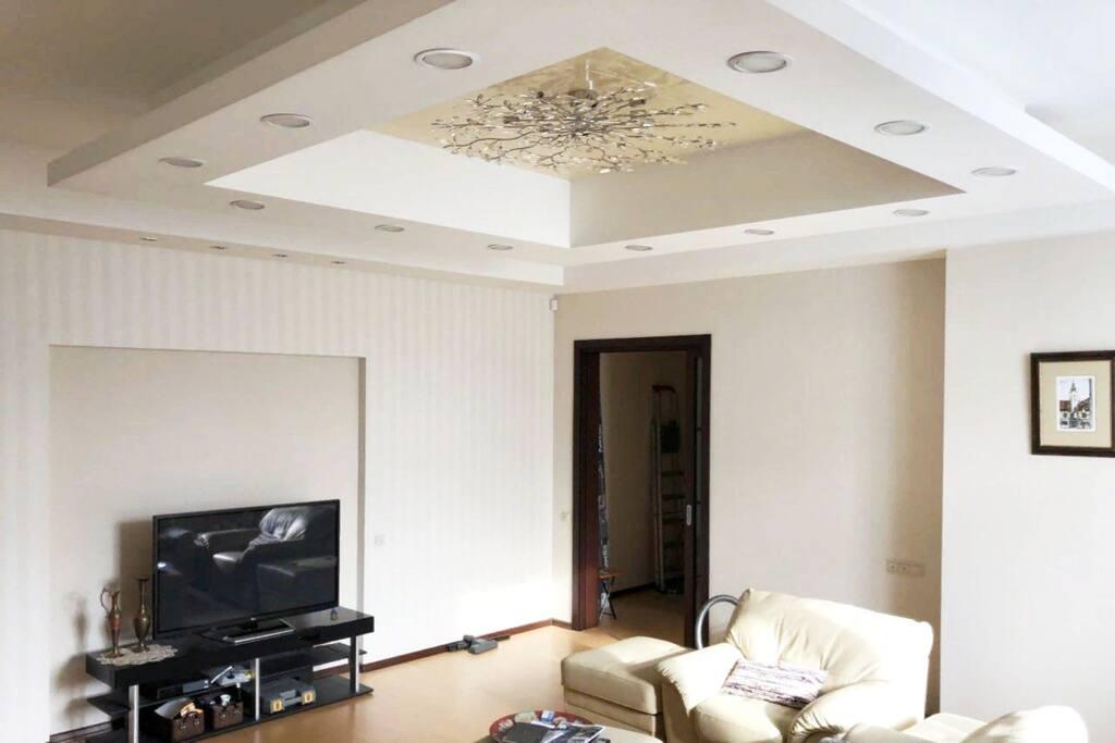 Large living room 35sqm / Большая гостиная, 35м2