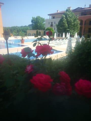 Квартира 50 кв м на курорте Обзор в Болгарии.