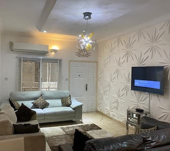 Luxury 2 bedrooms apartment for short let