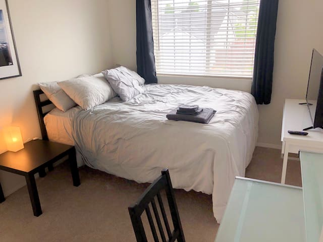 Cozy Private Room NE Portland 10min from Downtown