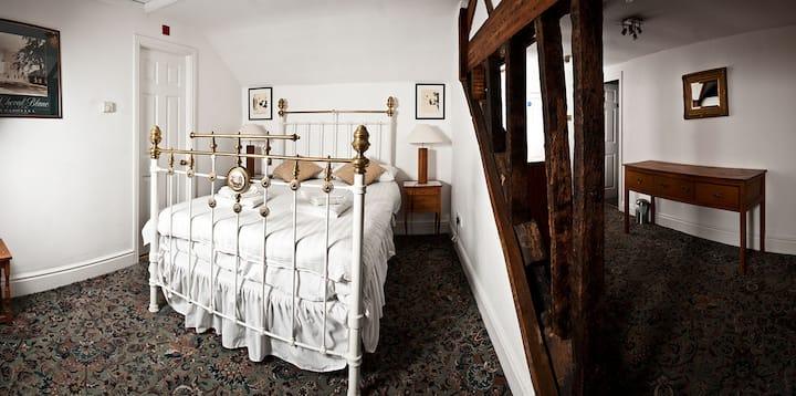 Suite Room 10