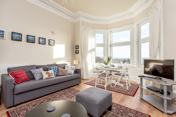 Charming Victorian Flat with Amazing Views - Edimburgo - Apartamento