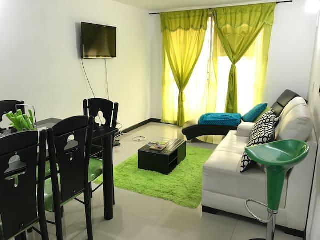 Welcome to Mosquera! Apartamento completo!