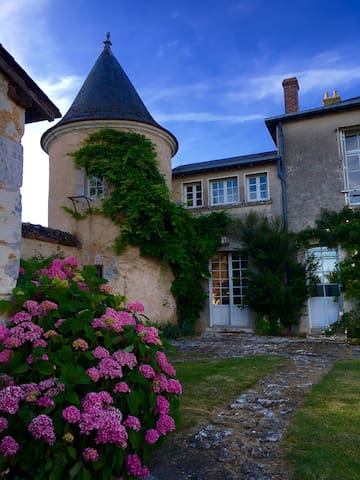 Gîte de la Tourelle at Touchebredier