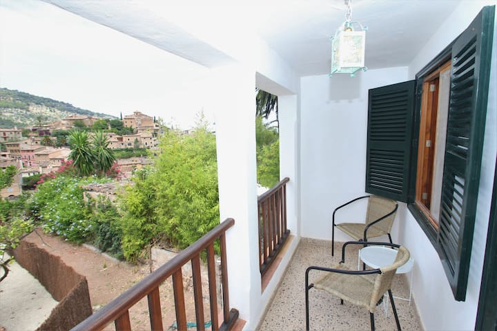 Terraza dormitorio de arriba / Terrace of the bedroom upstairs