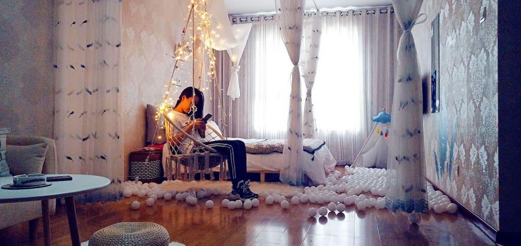 长风街北美/茂业/白色婚纱/旋转木马/摩洛哥吊椅房