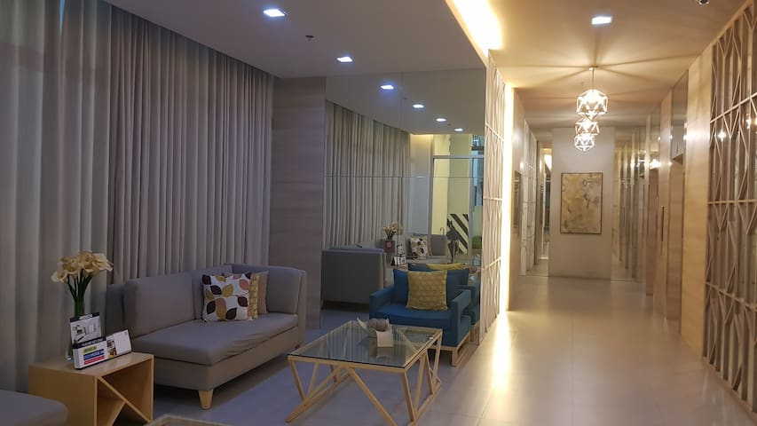 Cozy Studio Condo near Ayala Mall South Park Dist.