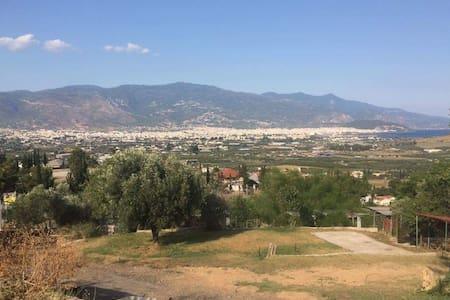 Caravan with amazing view - Dimini