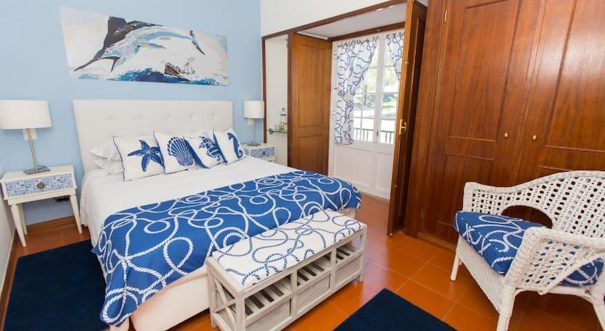 "Villa da Travancinha Hotel Room ""The Man&Sea"""